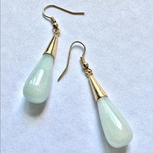 Jewelry - Nice Green Stone/Glass Hanging Earrings
